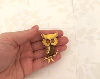 Owl Brooch - Owl - Owls - Night Owl - Owl Pin - Owl Brooches - Yellow Owl - Amber Owl - Bird Brooch - Owl Tree - Animal Brooch - Vintage