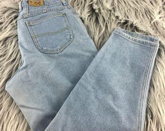 Lee Vintage Women's High Waisted Tapered Light Wash Denim Jeans // Vintage Jeans // Mom Jeans // Size 14 Petite
