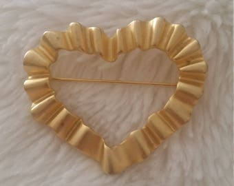 Vintage Gold Heart Brooch Pin