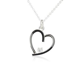 Beautiful cat and heart pendant necklace jewelry in 925 sterling silver with white cubic zirconia for cat lovers.