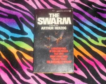 The Swarm by Arthur Herzog (First Signet Printing 1975) Paperback - Horror Killer Bees