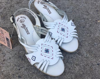 Vintage 80s 90s Air Step White Buckle Small Heel Huarache Embroidered Open Toe Sandals Size - 7.5 / 8