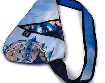Bag back small blue, Chateau Frontenac, Quebec