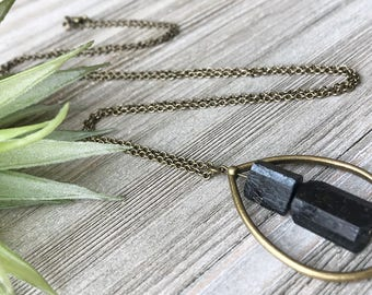 Black Tourmaline Pendant Necklace // Raw Tourmaline Necklace // Unique Long Necklace // Modern Necklace // Natural Stone Necklace