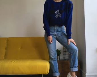 Vintage jumper in blue. Made in Germany. Women's size big M slightly oversize fit. UK size 12. 80's era.