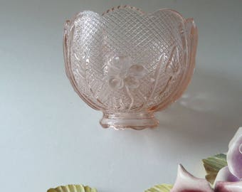 Votive Candle Shade/Pink glass candle lamp shade in diamond and floral pattern/Scalloped rim/Replacement shade for Fairy Lamp