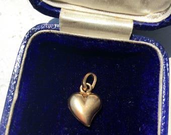 "Vintage ""Puffy Heart"" Charm 18k"