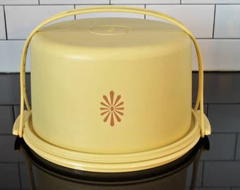 Vintage Tupperware Harvest Gold with Flower Motif Cake/Pie Taker/Saver with Handle