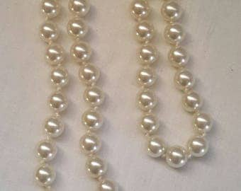 Beautiful Vintage Hand Knotted Faux Pearl Necklace