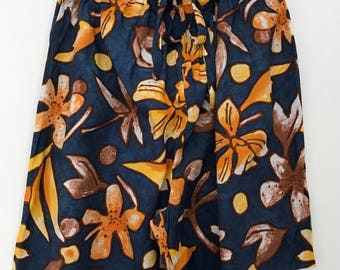 Vintage shorts / flower shorts / high waisted shorts / hawaiian shorts / summer shorts / elastic waist shorts / made in france / 90s shorts