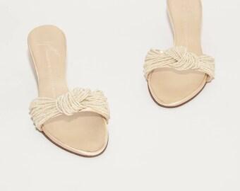 Giuseppe Zanotti \\ Vintage Shoes \\ Satin Cream Beige Mid Heel Slide Sandals \\ Vintage Wedding Shoes \\ Beaded Sandals \\ Size 36.5