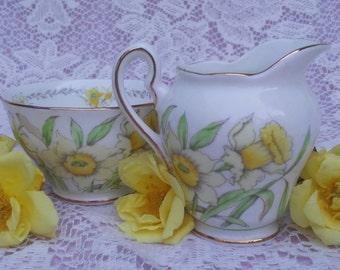 Vintage Salisbury Daffodil Small Creamer And Open Sugar
