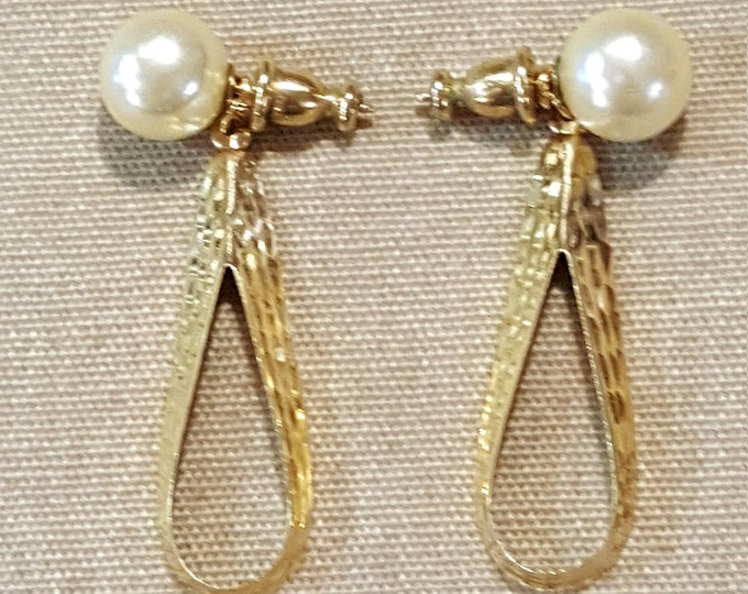 Vintage 18K Solid Yellow Gold Earrings Dangles Pierced Pearl Stud