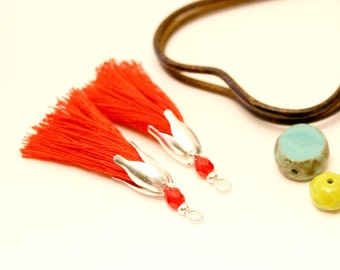 2 PomPoms red 45 mm, tassels handmade, red bead, silver tassel