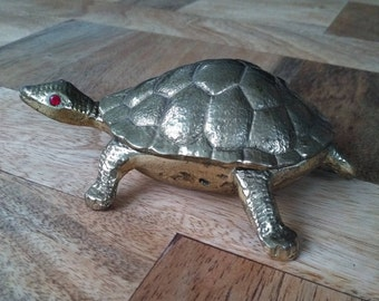 Red eyes vintage brass turtle box