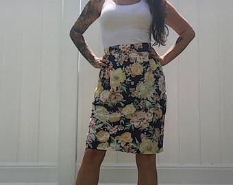 1990's Craig Clothing Co. Women's Floral Highwaisted Skirt