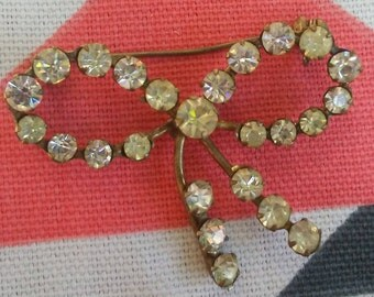 Vintage Rhinestone Bow Pin