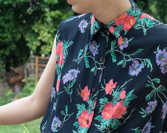 Vintage sleeveless floral blouse / shirt sleeveless with flowers Vintage