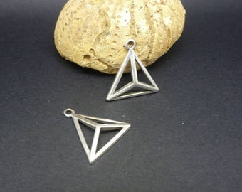 2 charms triangle 3D geometric 18 * 17mm silver plated zamak (PPBA09)