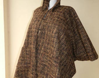 Poncho, coat, large size wool and lined in chintz