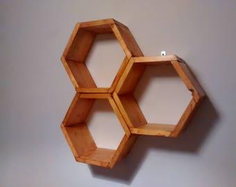 Shelf honeycomb in hexagonal cells