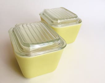 Yellow Pyrex Refrigerator Dishes Set of 2 Vintage Pyrex 501 Fridge Dishes with Lids, Storage Containers