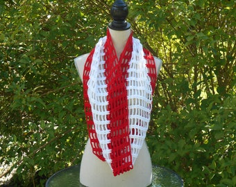 Hand crocheted Snood in red and white wool