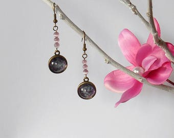 Stud Earrings in antique bronze with beads and cabochon