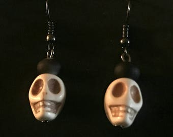 Skull earrings, Halloween earrings, Day of the dead earrings