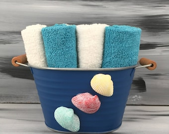 Blue Beach Bathroom Bin - Beach Bathroom - Bathroom Wash Cloth Holder with Seashells. 4 teal wash cloths and 4 white wash cloths.