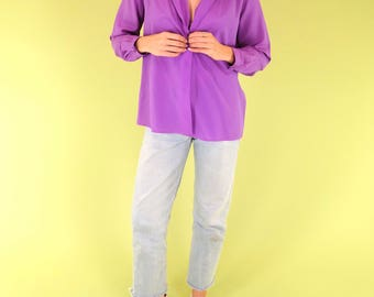 Gorgeous vivid purple vintage button up blouse with pleats at shoulders and fabric covered buttons SIZE S