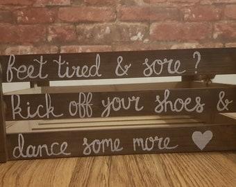 Hand Drawn Flip Flop 'Feet Tired & Sore' Basket | Flip flop basket | Wedding Crate | Wedding Baskets | Wedding basket | Wedding, Parties