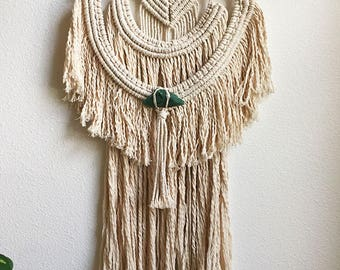 Macrame Wall Hanging with Green Quartz Crystal, Large Woven Wall Hanging, Tapestry, Boho Hippie Tapestry Wall Hanging