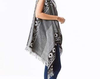 sleeveless Aztec look knitting Cardigan