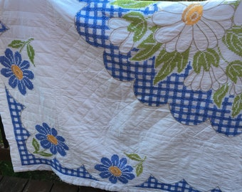 Vintage Quilt with Embroidered Daisy Top! All hand sewn in the 1970s!