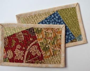 Gold leaves mug rug set