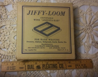 Vintage Jiffy Loom, complete with adjustable bar and instructions