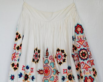 VINTAGE FOLK EMBROIDERY skirt - hungarian | ukranian