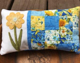 kit; Happy, Days pincushion, beautiful blues and yellows