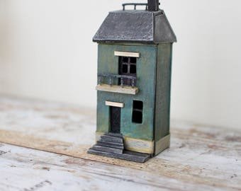 Dolls House Miniature Micro House in 144th Scale.