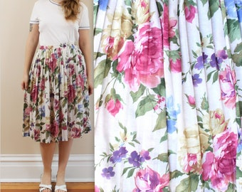 90s Rose Floral Pleated Skirt in Size 8 . Elastic Waist Skirt . Farmer's Market . Pretty Summer Skirt