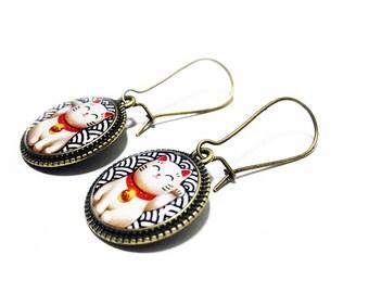 Lucky Cat Earrings, Maneki Neko, Beckoning Cat, Japanese Lucky Cat, Good Luck, Lucky Cat, Dangle Earrings, Handmade Jewelry, Resin Jewelry