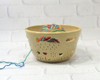 Yarn Bowl, Yellow Knitting Bowl, Pottery Yarn Bowl for Knitter, Ceramic Yarn Bowl, Yarn Holder, Bowl for Holding Yarn, Bowl for Knitters