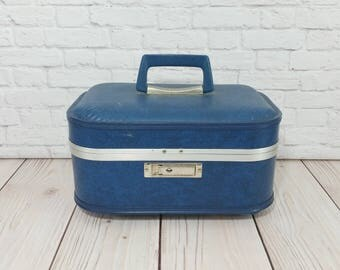 Vintage Blue Train Case Cosmetics Case With Key