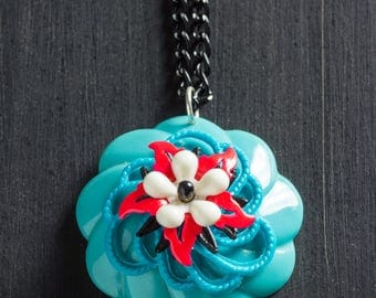 """5.00 OFF SALE Vintage Turquoise & Fluorescent Red Bloom Necklace w/ Stacked Retro Flowers, Black Aluminum Cut Curb Chain 17.5"""" Jewelry Hippy"""