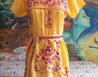 Mexican dress, Yellow Dress, Embroidered Mexican, Floral embroidery, Frida Kahlo, size S