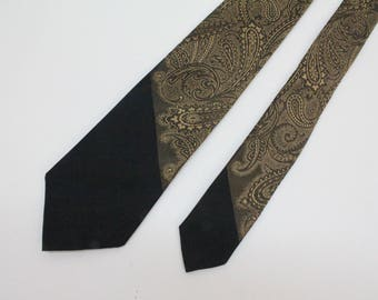 "60's Skinny Tie Necktie / Narrow Tie / Retro Tie / Black and Gold Paisley / Silk / 2  1/2"" wide"