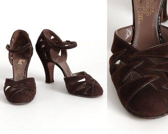 1930s Saks Fifth Ave Fenton Footwear brown suede heels * as-is * collectible vintage shoes * SH067