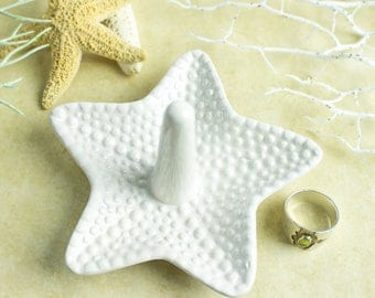 Starfish ring holder, white jewelry Ceramic Ring Holder handmade pottery Beach wedding favor Decor bridesmaid gift for her under 25