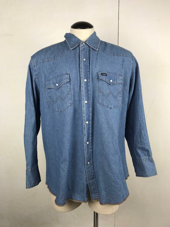 Wrangler Exposed Hem Denim Shirt